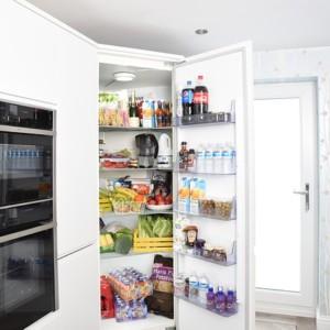 キッチン金運風水5*冷蔵庫内の中身を意識する【冷蔵庫内外の断捨離とお掃除】